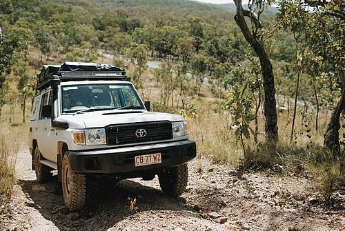 Britz Safari Landcruiser 4 WD